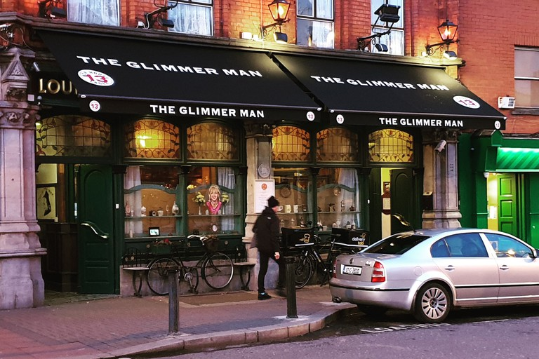 The Glimmer Man is a traditional Irish pub
