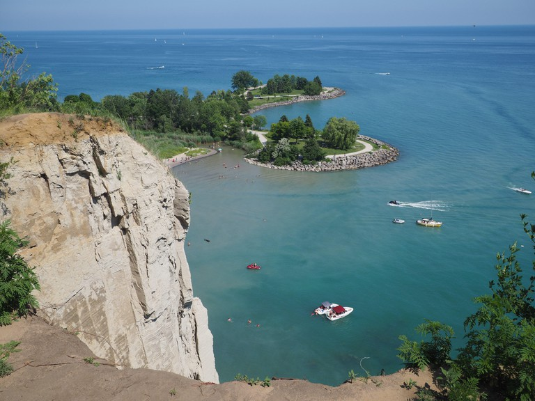 Toronto, view from edge of the cliff at Scarborough Bluffs to park and lake Ontario below