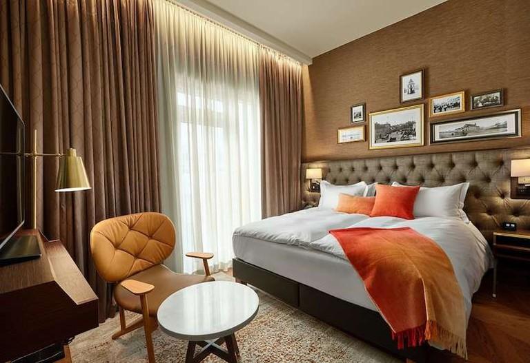 Deluxe room at Konsulat Hotel