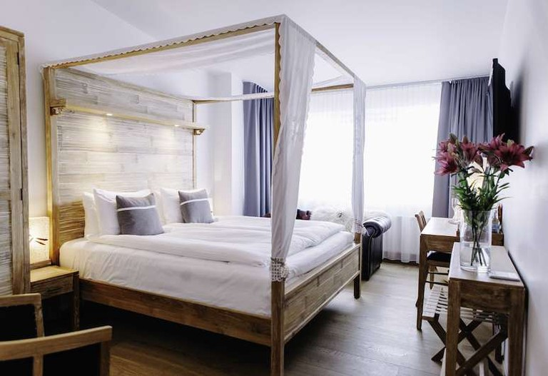 Deluxe double room at Eyja Guldsmeden Hotel
