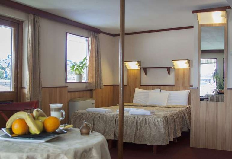 Double room at Fortuna Boat Hotel and Restaurant