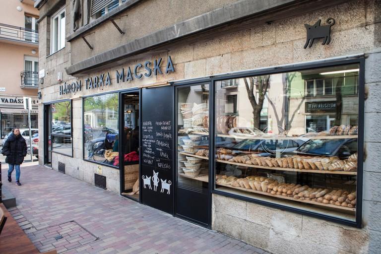 Exterior of Három Tarka Macska