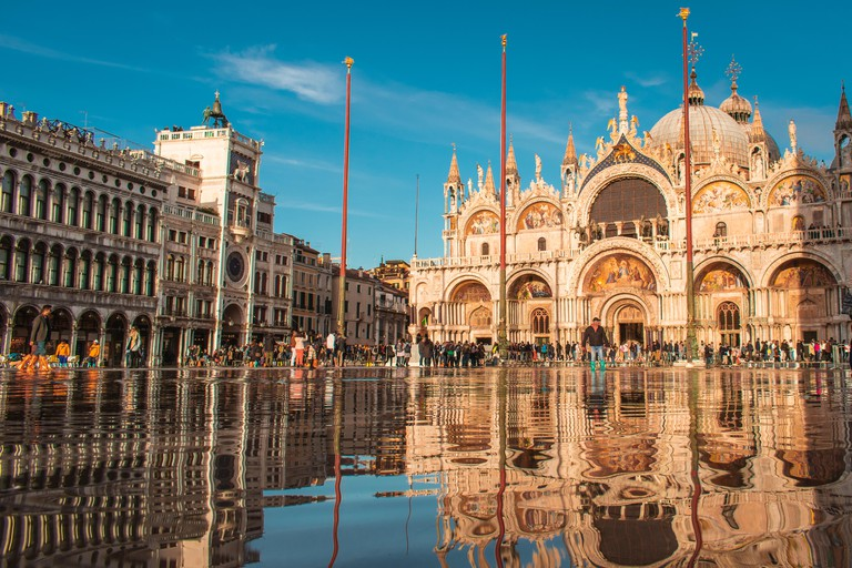 The first version of the Basilica di San Marco was built in AD 828