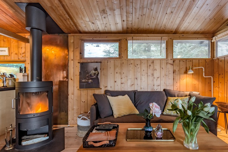 Secret nature reserve cabin near to the Blue Lagoon