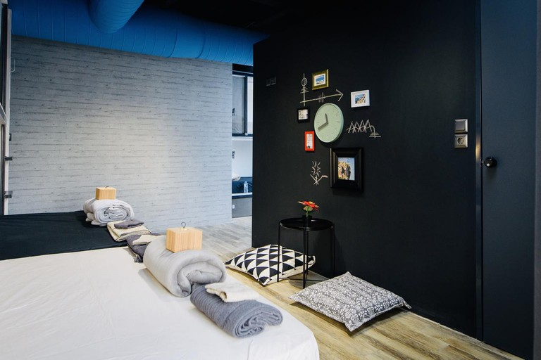 Guest room at Bed Station
