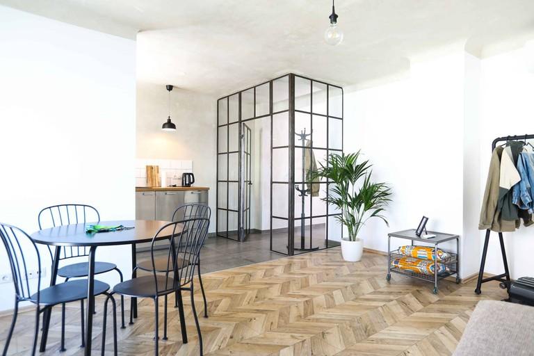 Industrial design decorates this loft in Vienna