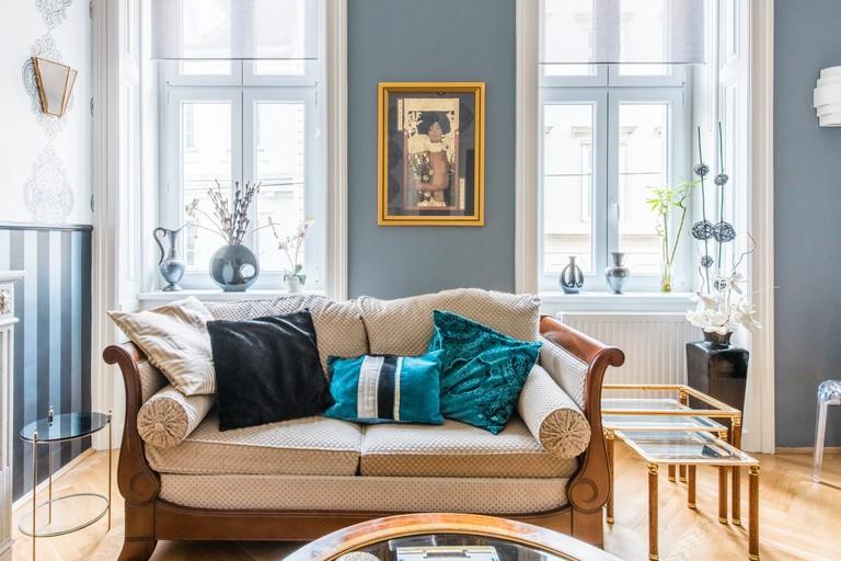 This Art Deco apartment features vibrant decor