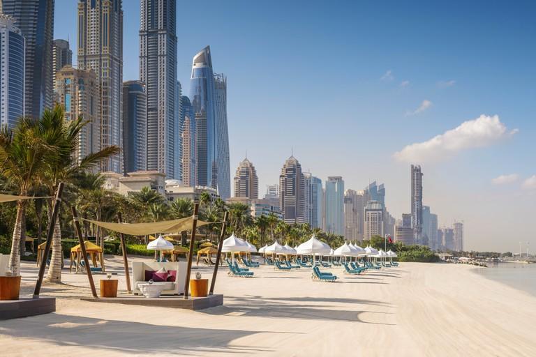 oo-royalmirage-beach-jetty-cabana-skyline-3114-master-984499