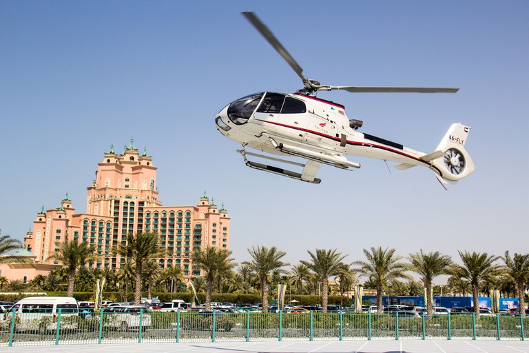 Dubai Helicopter Flight from The Palm to The Burj Khalifa