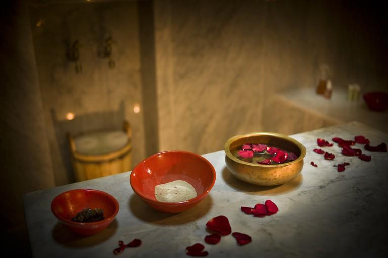 Morocco, Fes, Hotel Riad Fes, bowls and rose petals