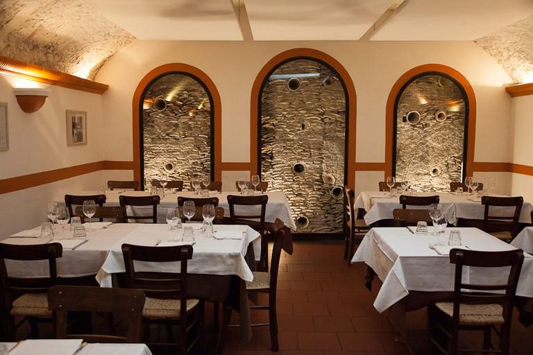 The interior of restaurant Flavio al Velavevodetto
