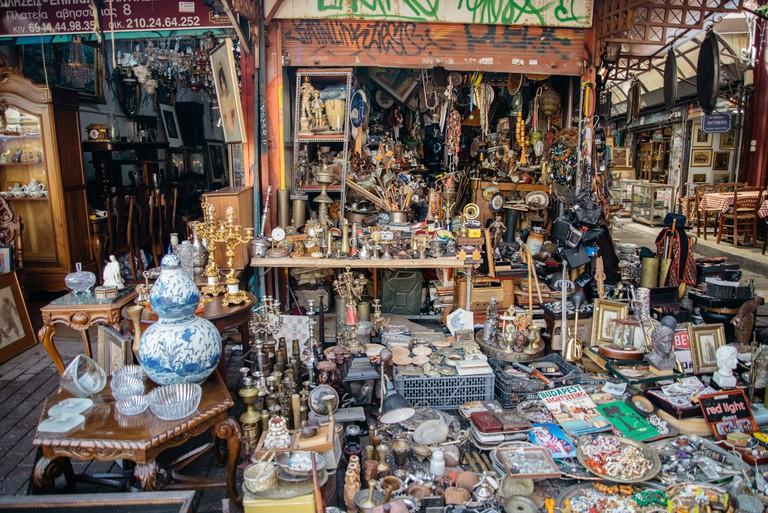 The antique market at Avissinias Square