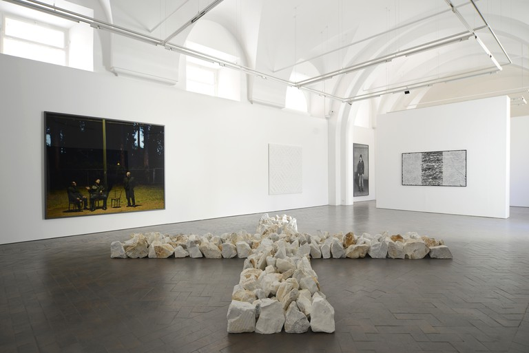 CASTELLANI, LONG, WALL - Installation view, 2014 - Galleria Lorcan O'Neill