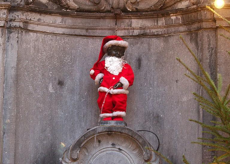 Mannekin Pis - dressed as Santa for Christmas