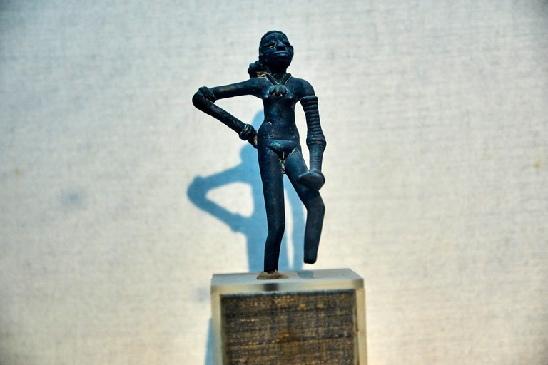 Dancing Girl from Moenjodaro, New Delhi, national museum