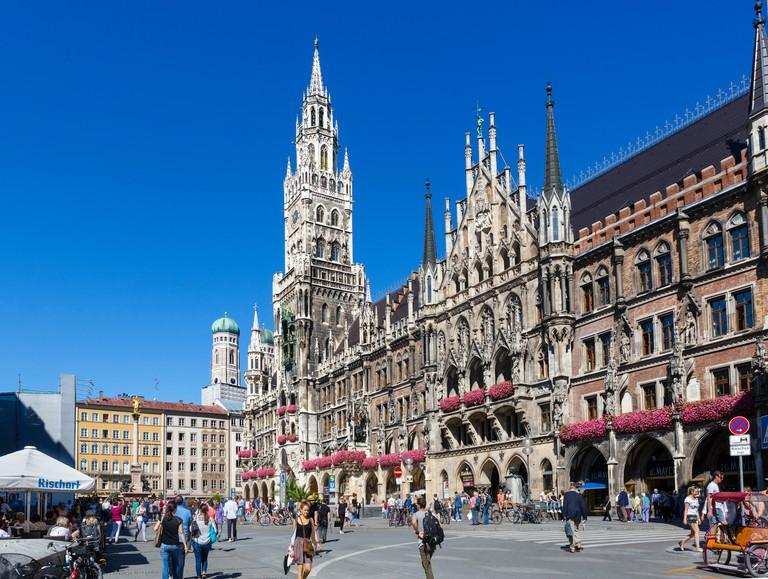 The Neues Rathaus (New Town Hall), Marienplatz, Munich, Bavaria, Germany