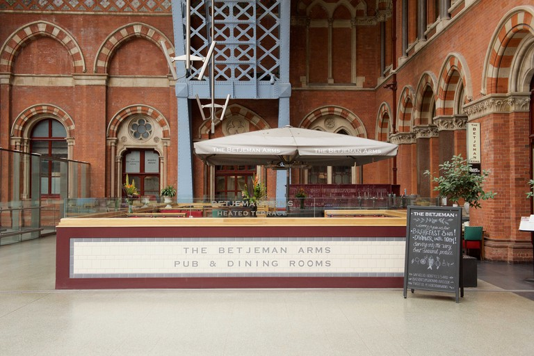 The Betjeman Arms at London St Pancras railway station