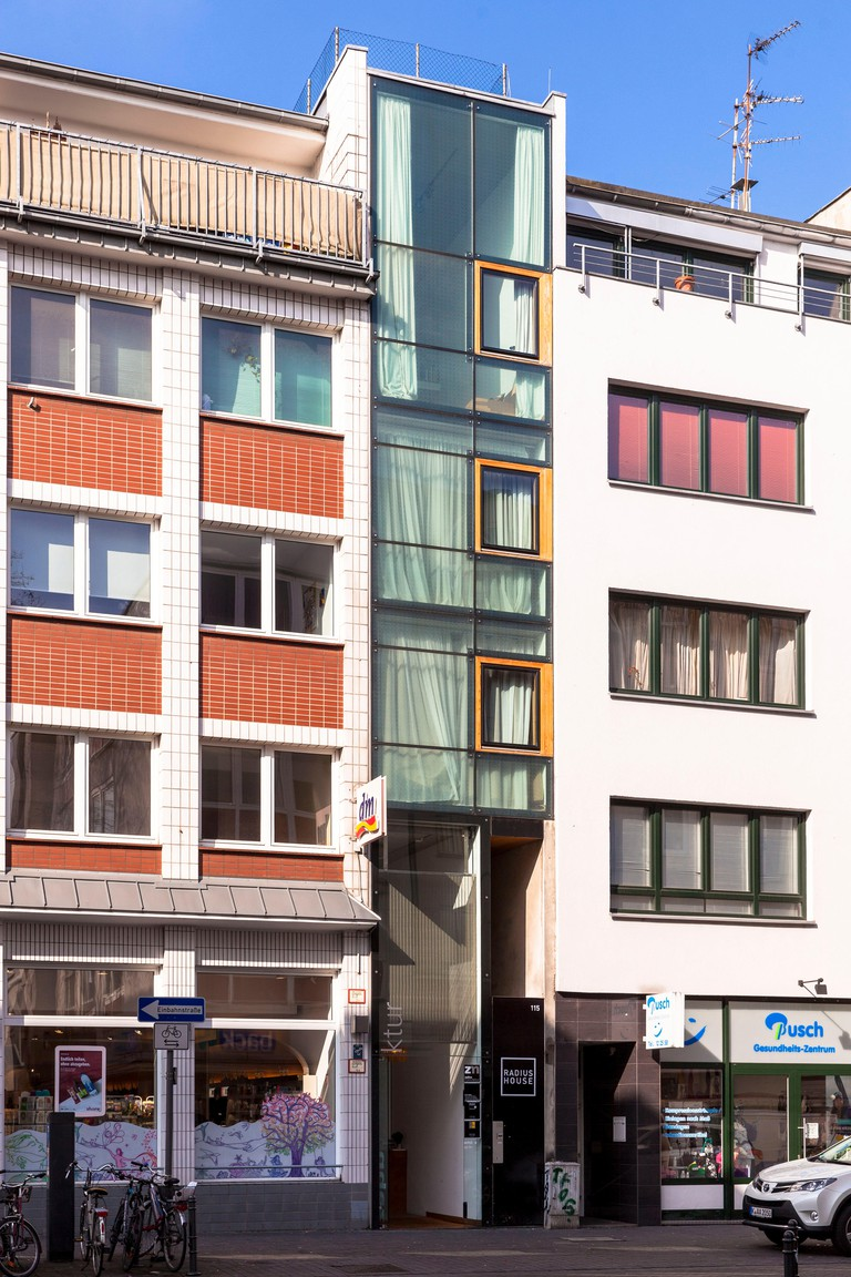 Germany, Cologne,the narrowest house in Cologne on the street Eigelstein 115, it is 2.56 meters wide, architect Arno Brandlhuber.Deutschland, Koeln,