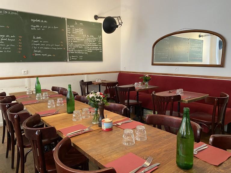 Les Trois Quarts, corner brasserie and pub