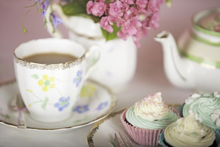 Elegant teatime at Les 3 Dou'soeurs