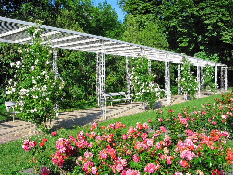 Budapest, park the Rose Garden on Margaret Island