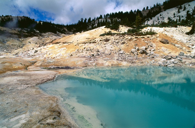 Bumpass Hell, hydrothermic area, Lassen Volcanic National Park, Northern California, USA