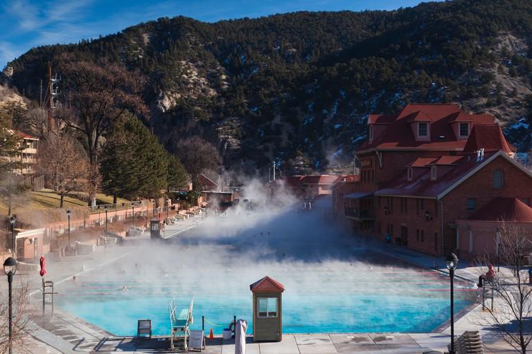USA, Colorado, Glenwood Springs, Glenwood Hot Springs, winter.