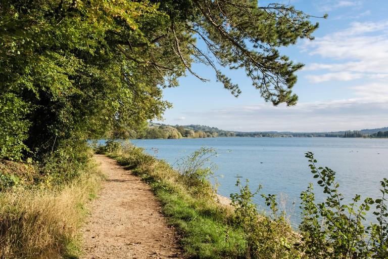 Path around Blagdon Lake reservoir in Mendip hills. Blagdon, Bristol, Somerset, England, UK, Britain