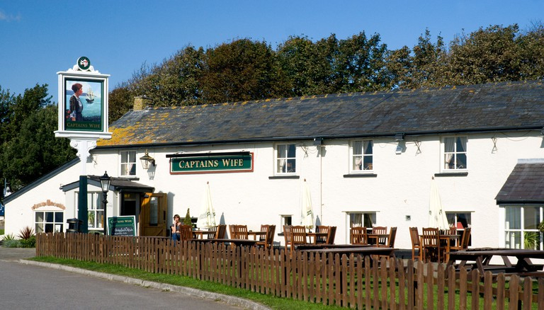 the captains wife pub swanbeidge vale of glamorgan south wales