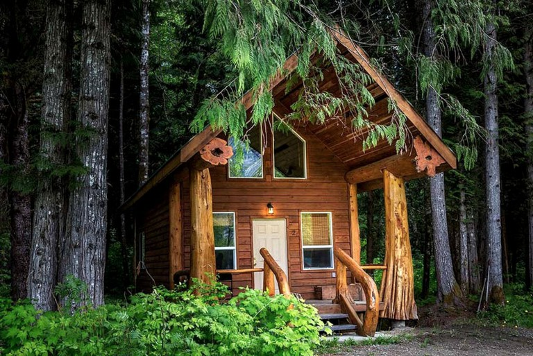 Glamping in a log cabin, British Columbia