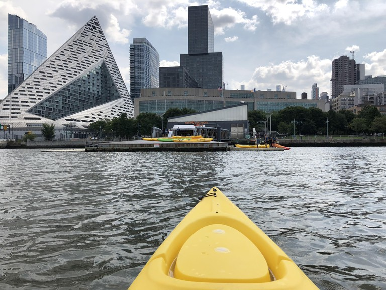 Kayaking in Hudson River with NYC skyline