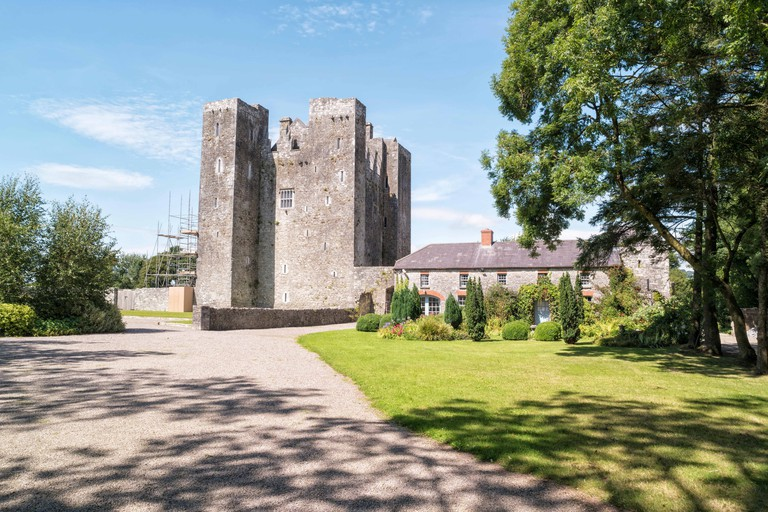 Well preserved medieval castle in the outskirts of Cork in Ireland.