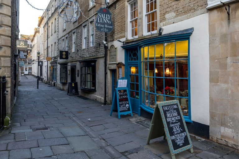 Sally Lunn?s Historic Eating House & Museum, serving Sally Lunn buns. Believed to be Bath's oldest house (c.1483)