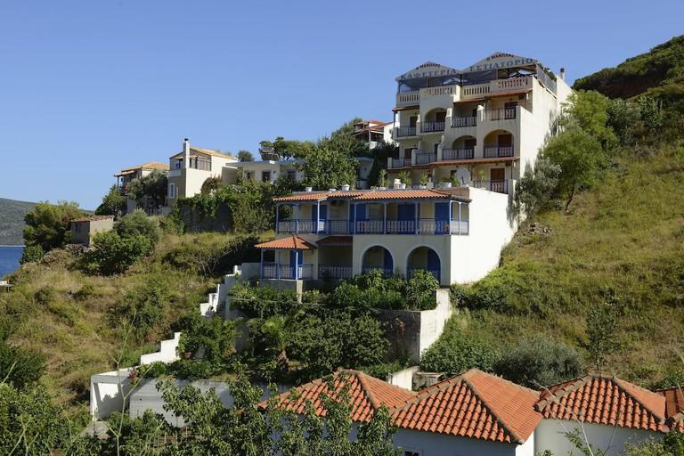 Agnanti Hotel and Apartments