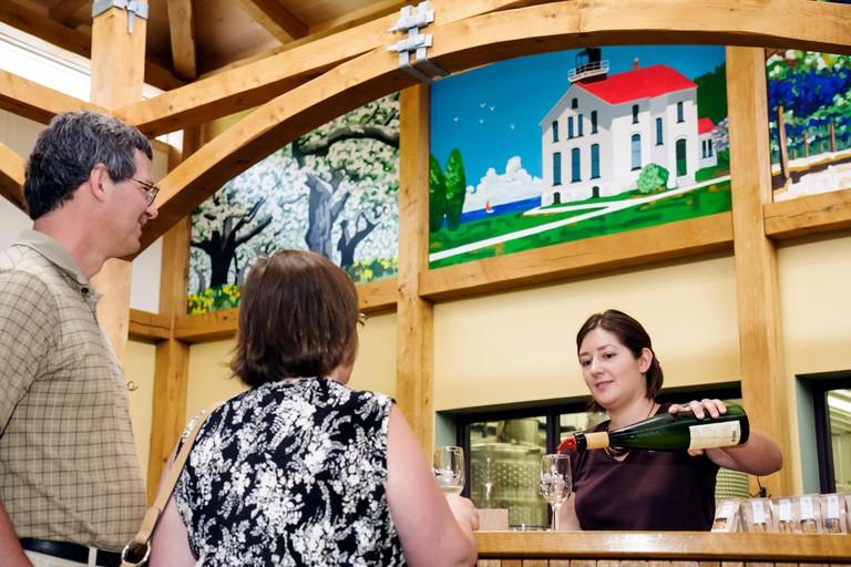 Michigan, MI, Mich, Upper Midwest, Traverse City, Leelanau Peninsula, Black Star Farms, vineyard, vineyards, winery, tasting room, bar lounge pub, pub