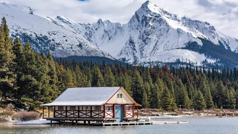 Heritage Boathouse, Maligne Lake, Jasper National Park, Alberta, Canada