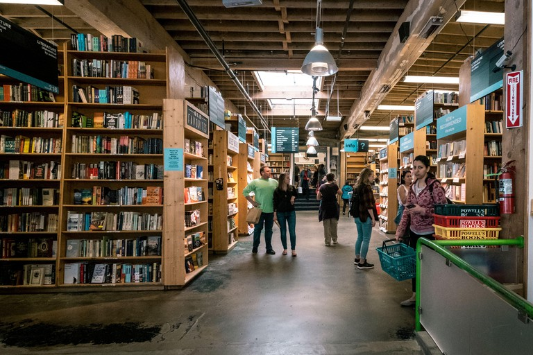 Powell's City of Books, This landmark, multi-level source for new & used books also houses a cafe & selection of gifts. Portland, Oregon