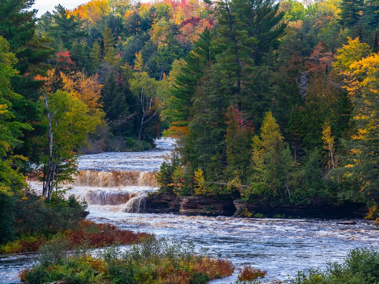 Lower falls, Tahquamenon Falls State Park west of Paradise, Upper Peninsula, Michigan.