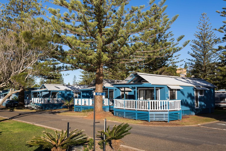 Breakwall Holiday Park, Port Macquarie, NSW. Photos of holiday cabins.