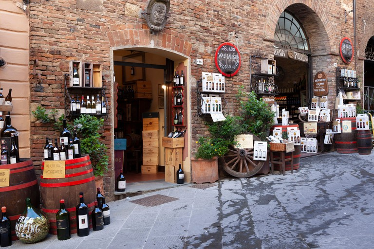 SAVE WATER, DRINK WINE! The Cantina Pulcino - a picturesque enoteca with restaurant - in Montepulciano (Siena -Tuscany - Italy).