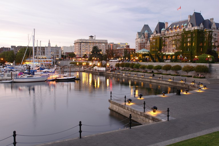 AJD55657, Victoria, British Columbia, Canada, Vancouver Island, Inner Harbour, The Empress Hotel, waterfront, marina, evening. Image shot 2006. Exact date unknown.