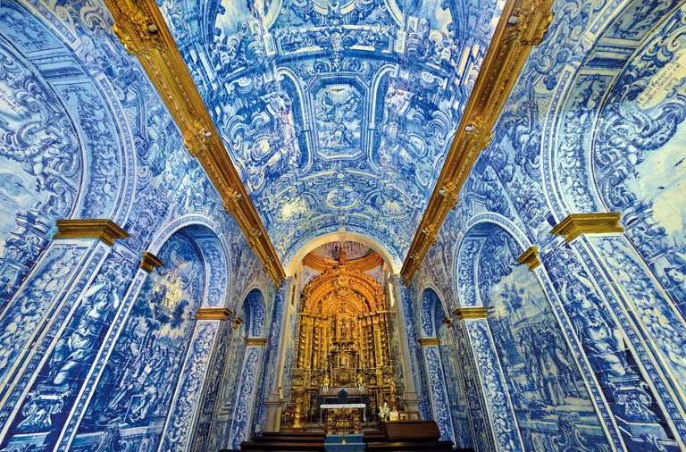 Portugal, Algarve: Historic tiles in the church of Sao Lourenco in Almansil