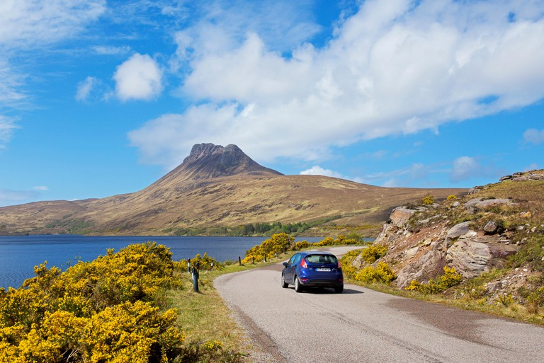 Stac Pollaidh, a mountain near Ullapool, and Loch Lurgainn, Ross-shire, Scottish Highlands, Scotland UK