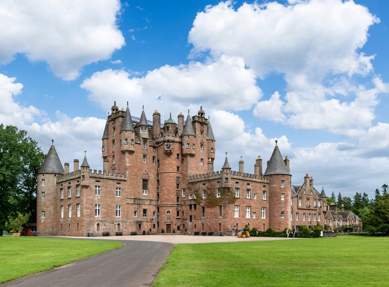 Glamis Castle, family home of of Elizabeth Bowes-Lyon (Queen Elizabeth the Queen Mother), Angus, Scotland, UK