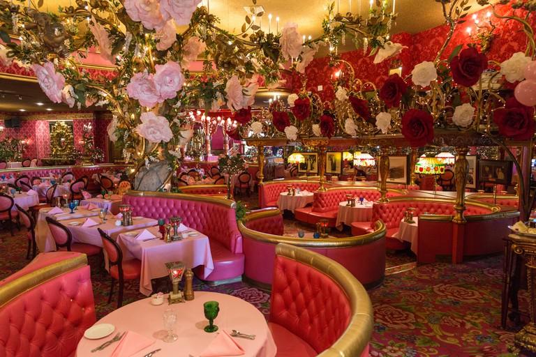 Dining room, Restaurant Kult-Motel Madonna Inn, San Luis Obispo, California, USA