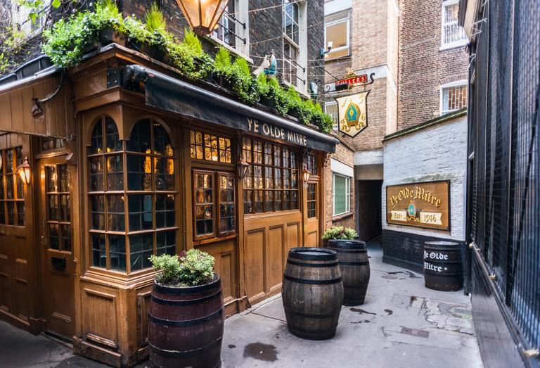 Ye Olde Mitre. Fullers pub just off Hatton Garden, London. Established in 1546.