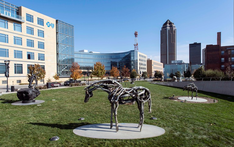 Des Moines, Iowa, USA. 02nd Nov, 2014. Some of the several dozen sculptures arrayed in the Pappajohn Sculpture Park in downtown Des Moines. Credit:  Brian Cahn/ZUMA Wire/Alamy Live News