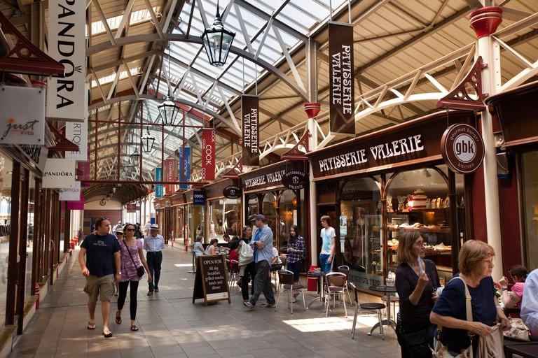 England, Berkshire, Windsor Royal Shopping arcade on old railway station platform