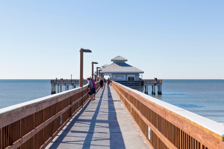 Fishing Pier Fort Myers Beach, jetty with gazebo, beach, Fort Myers, Florida, USA, North America