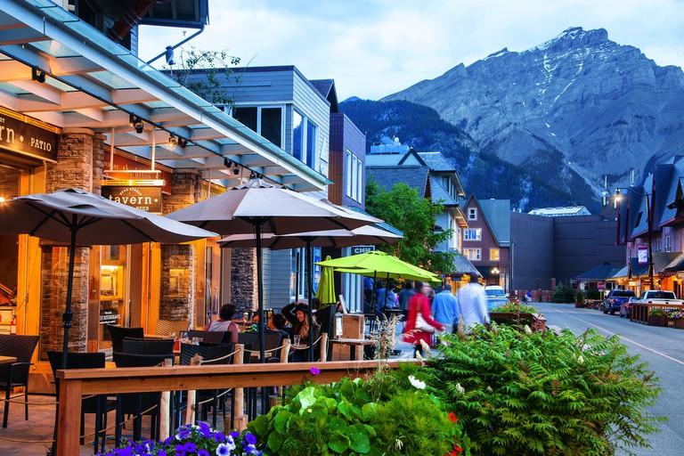 "Alberta/Banff Nationalpark: Banff, Restaurant ""Bear Street Tavern"", Kanada Westen | usage worldwide"